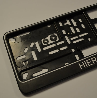 Kentekenplaathouder met eigen tekst - Zwart met Witte rand en witte letters